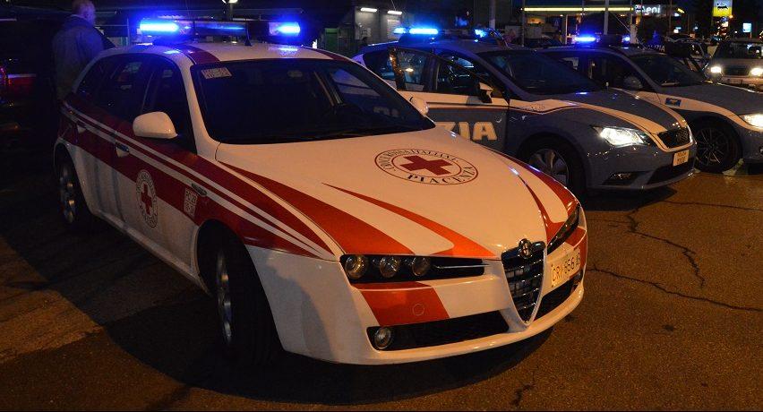 Con l'auto investe un passante in via Taverna, 41enne denunciata per lesioni e guida in stato di ebbrezza