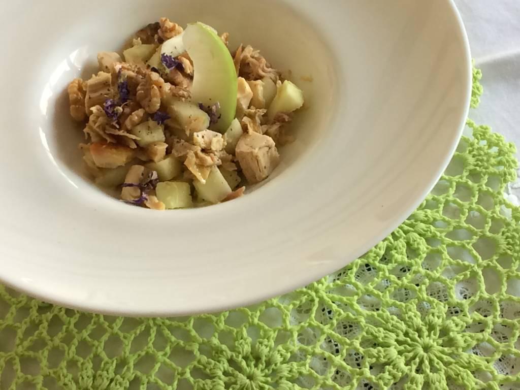 Insalata di pollo e mele – Ricetta Ipocucino