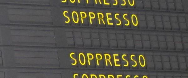Locomotiva deraglia a Lodi, disagi per ore sulla linea ferroviaria Milano Piacenza