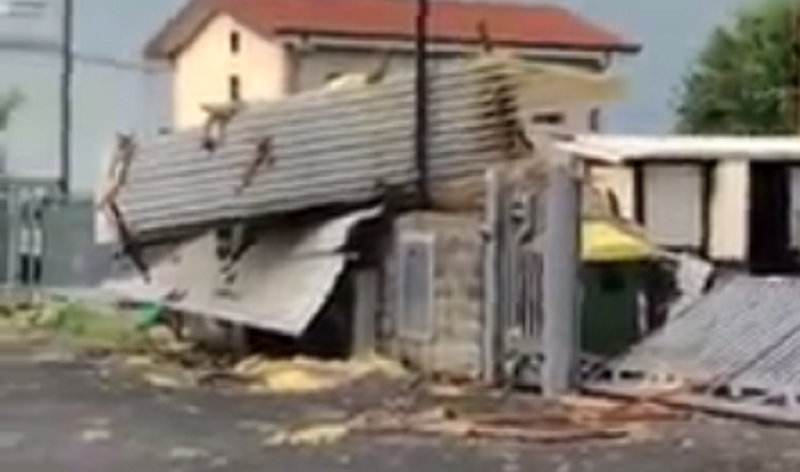 Forti temporali in provincia, a Sarmato crolla il tetto di un capannone – FOTO e VIDEO