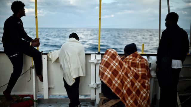 La Voce dei Piacentini, 49 migranti in mare da giorni sulle coste maltesi, l'Italia deve accoglierli?