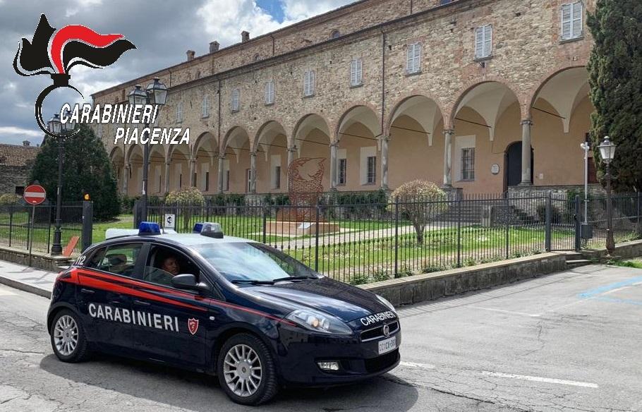 Droga, attrezzi da scasso e minacce: fine settimana impegnativo per i carabinieri in Valtrebbia