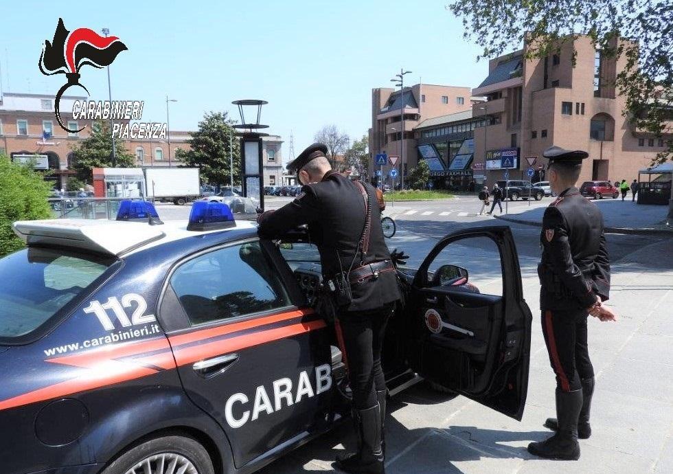 Cocaina in tasca davanti alla stazione, arrestato 20enne