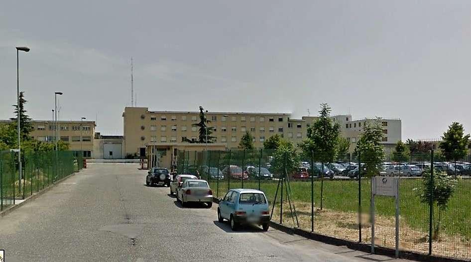 Fingono di essere stati picchiati per aggredire gli agenti, violenza al carcere delle Novate