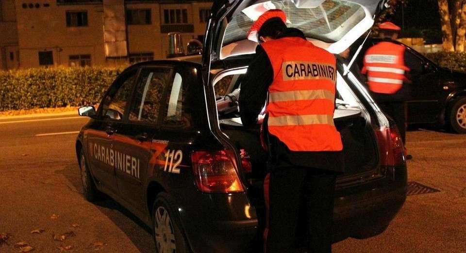 Ubriaco al volante viene fermato dai carabinieri, 43enne nei guai