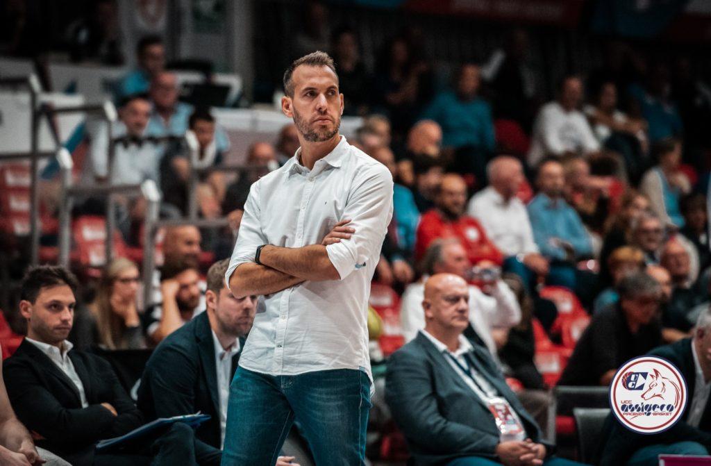 Gabriele Ceccarelli non è più il coach dell'Assigeco Piacenza